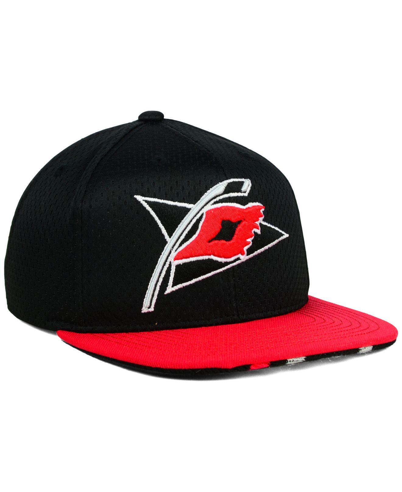 buy popular 76e58 b6abb Reebok Black Carolina Hurricanes Jersey Hook Snapback Cap for men