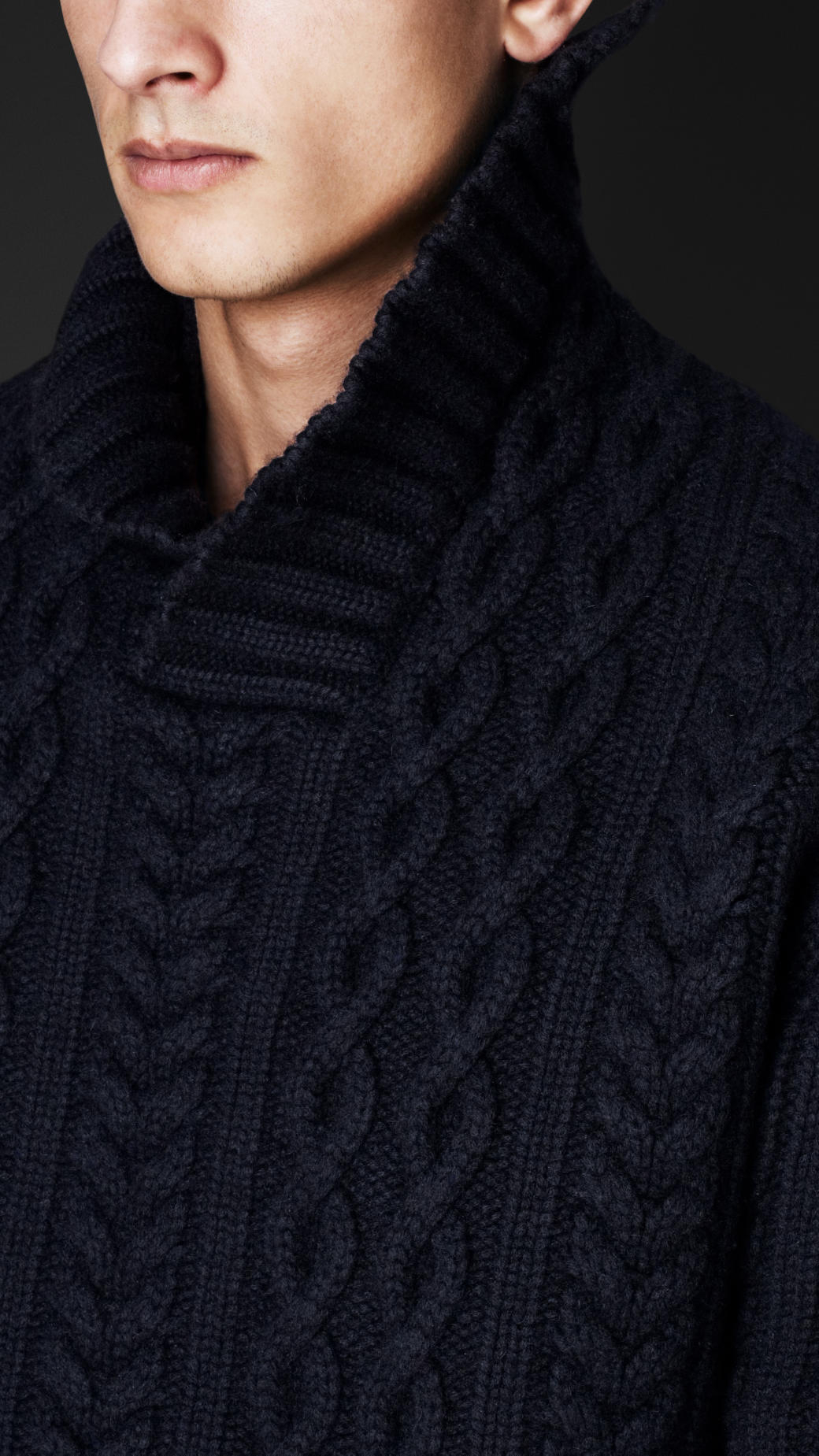 Burberry Cashmere Needlepunch Aran Sweater in Black for ...