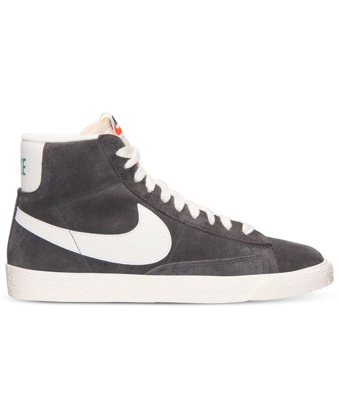 Nike WMNS Blazer Mid Suede Sneakers Black White