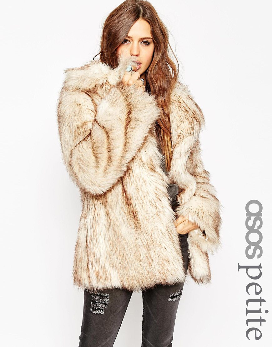 "Claim: Kim Kardashian wore a coat made from ""South Russian Ovcharka dogs"" to Kanye West&#;s fashion fishingrodde.cf"