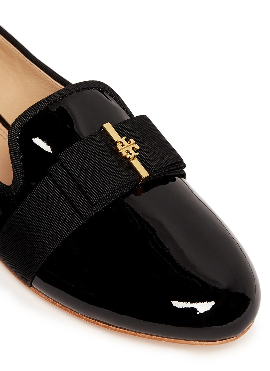 tory burch 39 trudy 39 logo bow patent leather ballerina flats in black lyst. Black Bedroom Furniture Sets. Home Design Ideas