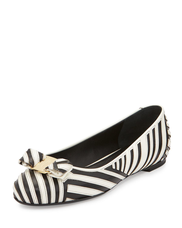 Ballet Flat Shoes Ferragamo Black