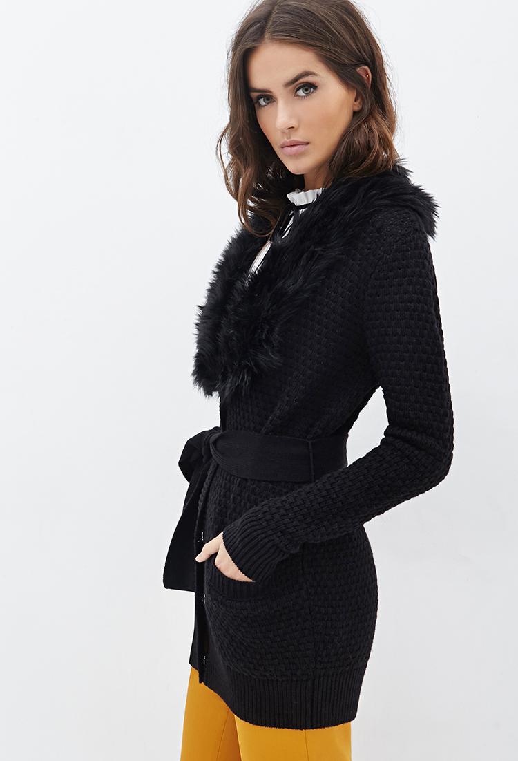 Women'S Sweater With Fur Collar