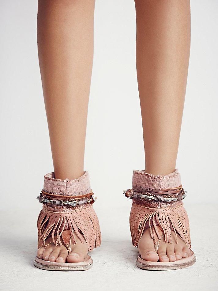 Wonder Land Fringe Sandal in Rose