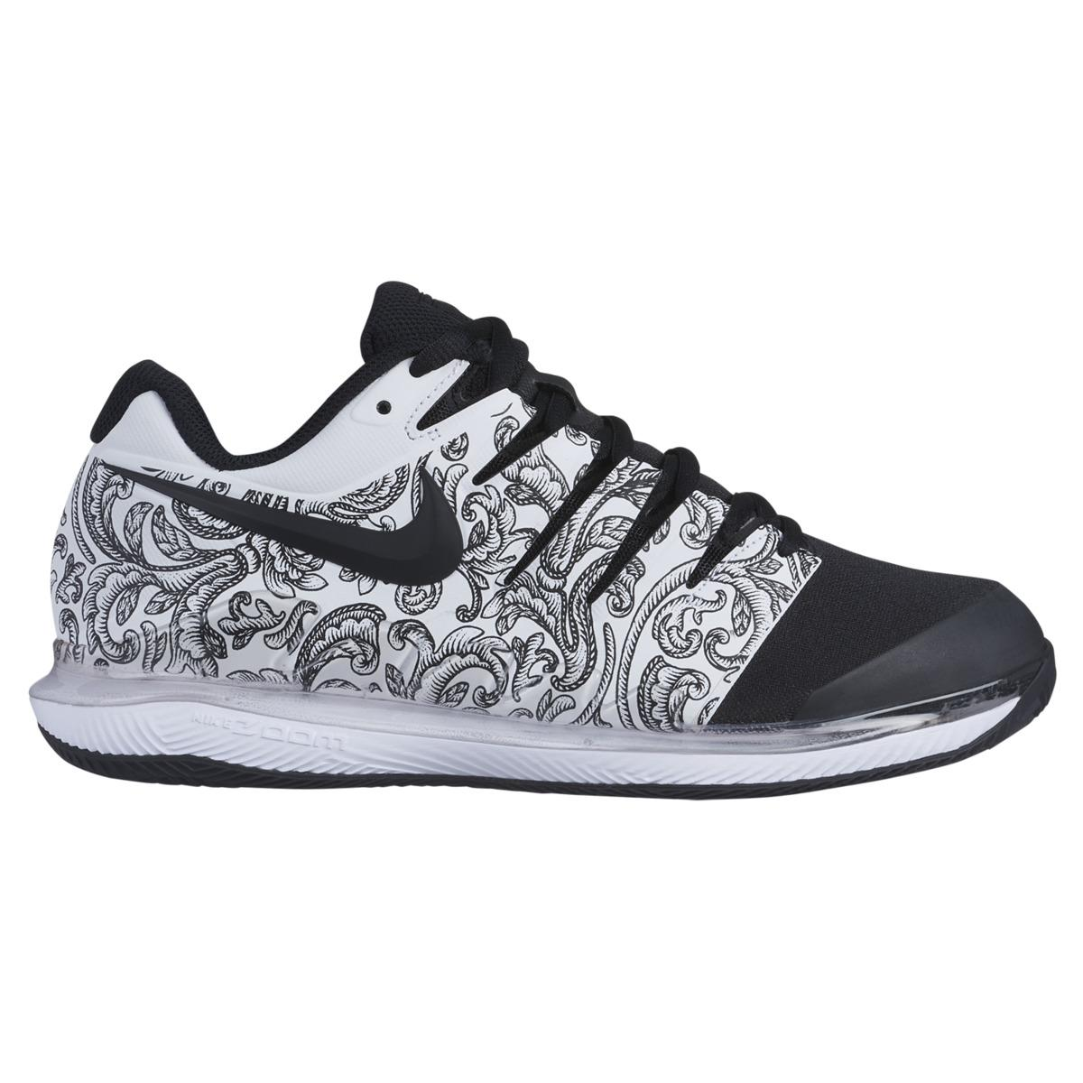 best sneakers 6a9b2 49852 Nike. Women s Black Air Zoom Vapor X Clay Tennis padel Shoes
