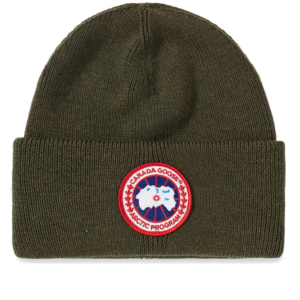07d437c98b358 Canada Goose Logo Knitted Beanie in Green for Men - Save 25% - Lyst