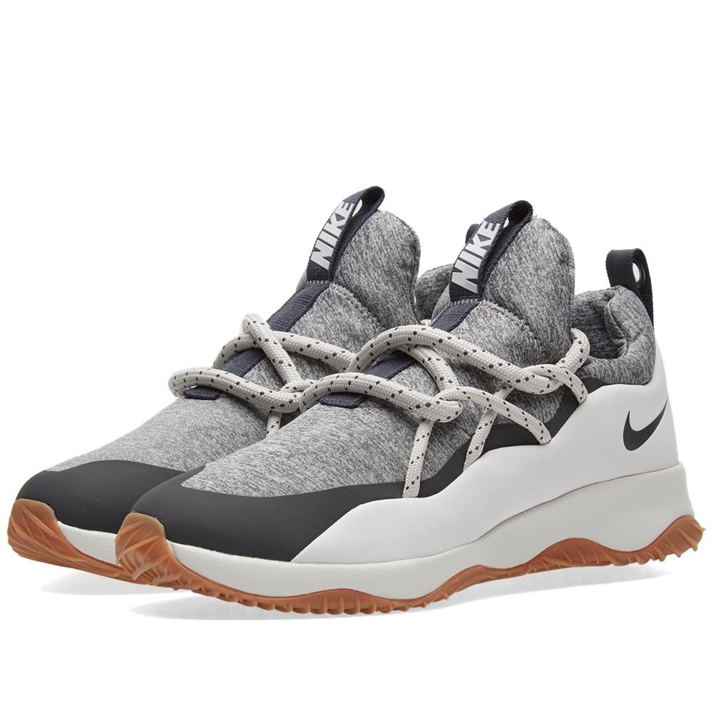 Nike Rubber City Loop W in White for