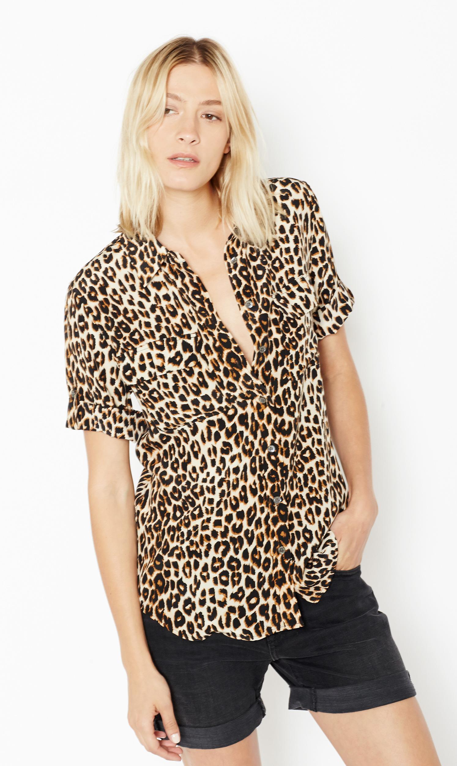 Equipment Short Sleeve Slim Signature Silk Shirt In