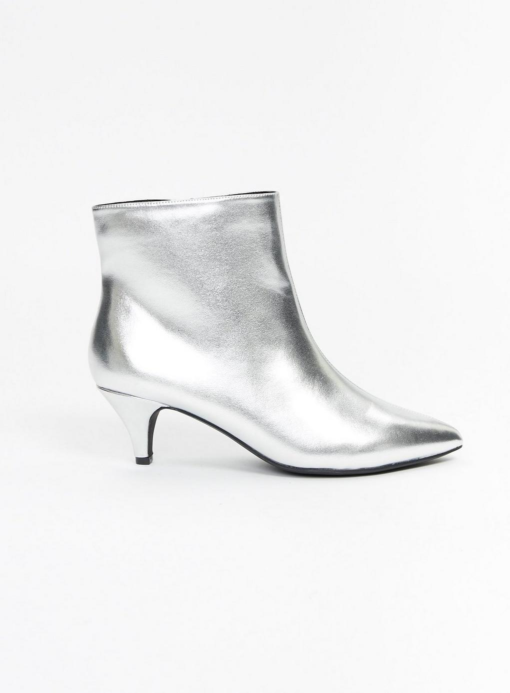 f935fc5540f Evans Extra Wide Fit Silver Metallic Kitten Heel Ankle Boots