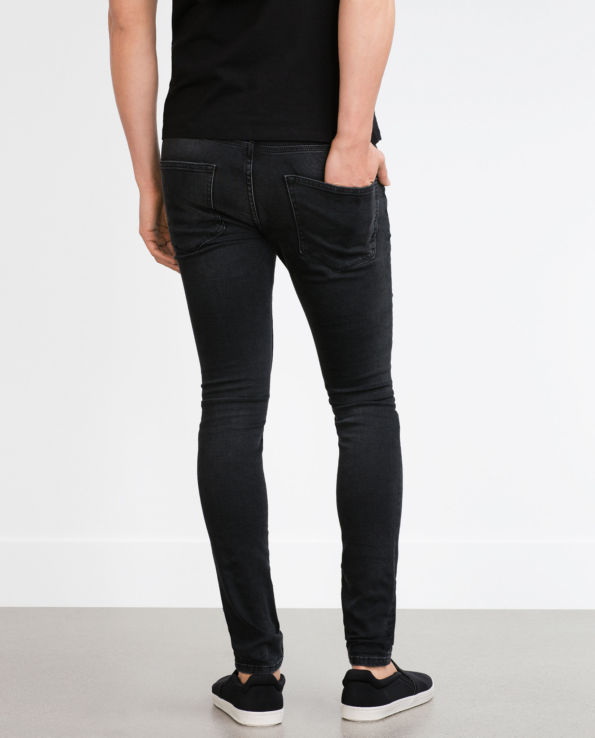 Tapered Fit Jeans Men