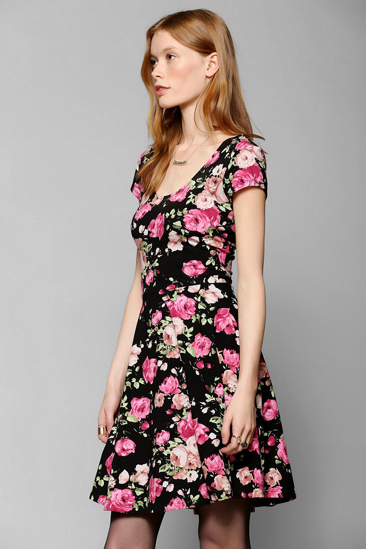 Lyst Urban Outfitters Kimchi Blue Knit Floral Skater Dress In Black