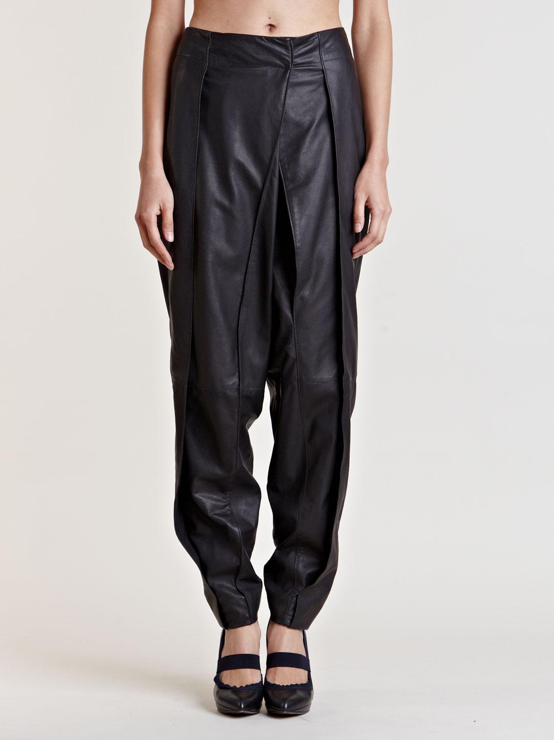 06123fdb21d Lanvin Womens Leather Trousers in Black - Lyst