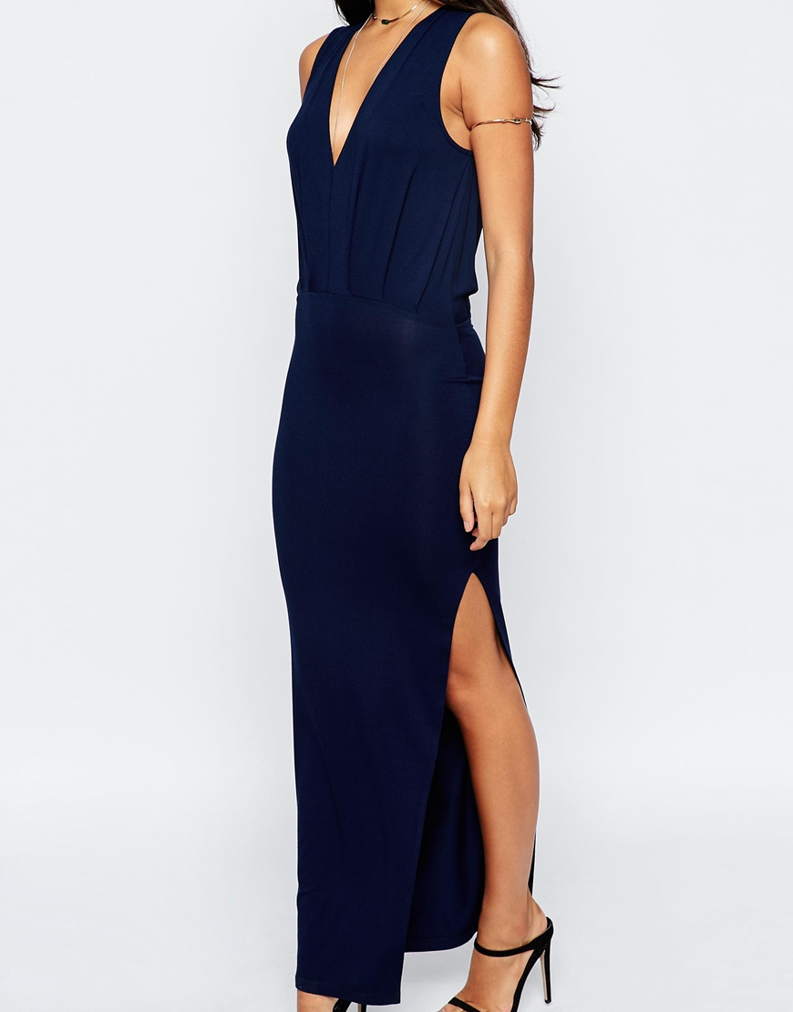 Don't underestimate the power of a chic dress like the Lulus Shield and Sword Black Sleeveless Maxi Dress! Jersey knit tops a fitted, sleeveless bodice that extends down the body to a maxi length, but not before showing off some leg with a high side slit/5().
