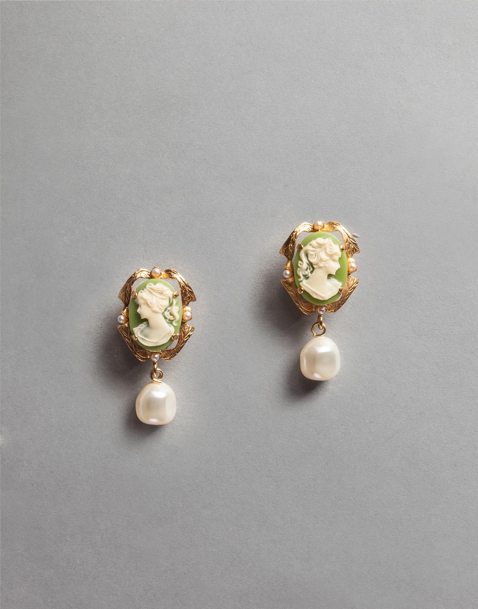 Dolce & Gabbana cammeo earrings 1f2CrDT