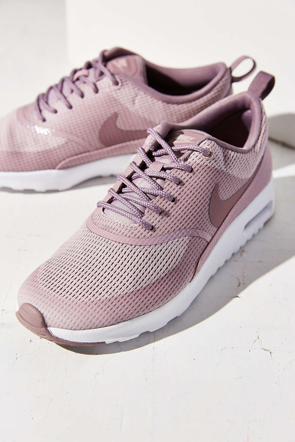 nike wmns air max thea textile sneakers white white nike shox de energia des femmes. Black Bedroom Furniture Sets. Home Design Ideas