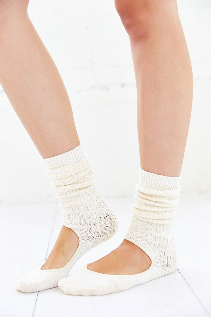 Lyst Urban Outfitters Yoga Slouch Crew Sock In White