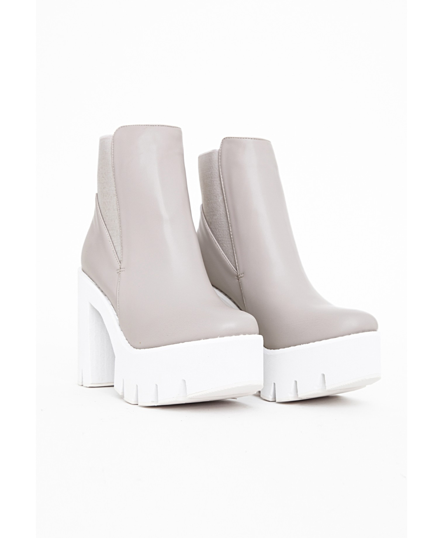 Missguided Alexia Cleated Sole Chelsea Boots Grey in Grey