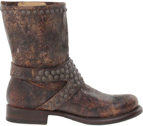 Frye Jenna Studded Short in Brown (Chocolate Glazed Vintage Leather