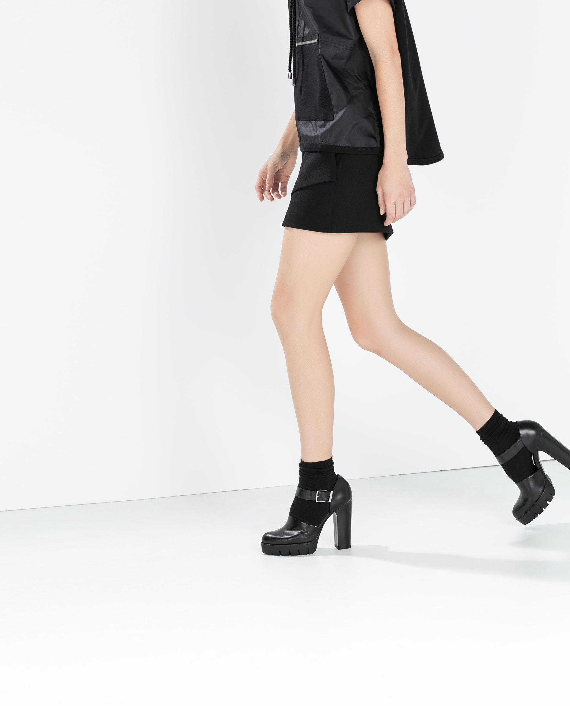 zara mini skirt with front pleat in black lyst