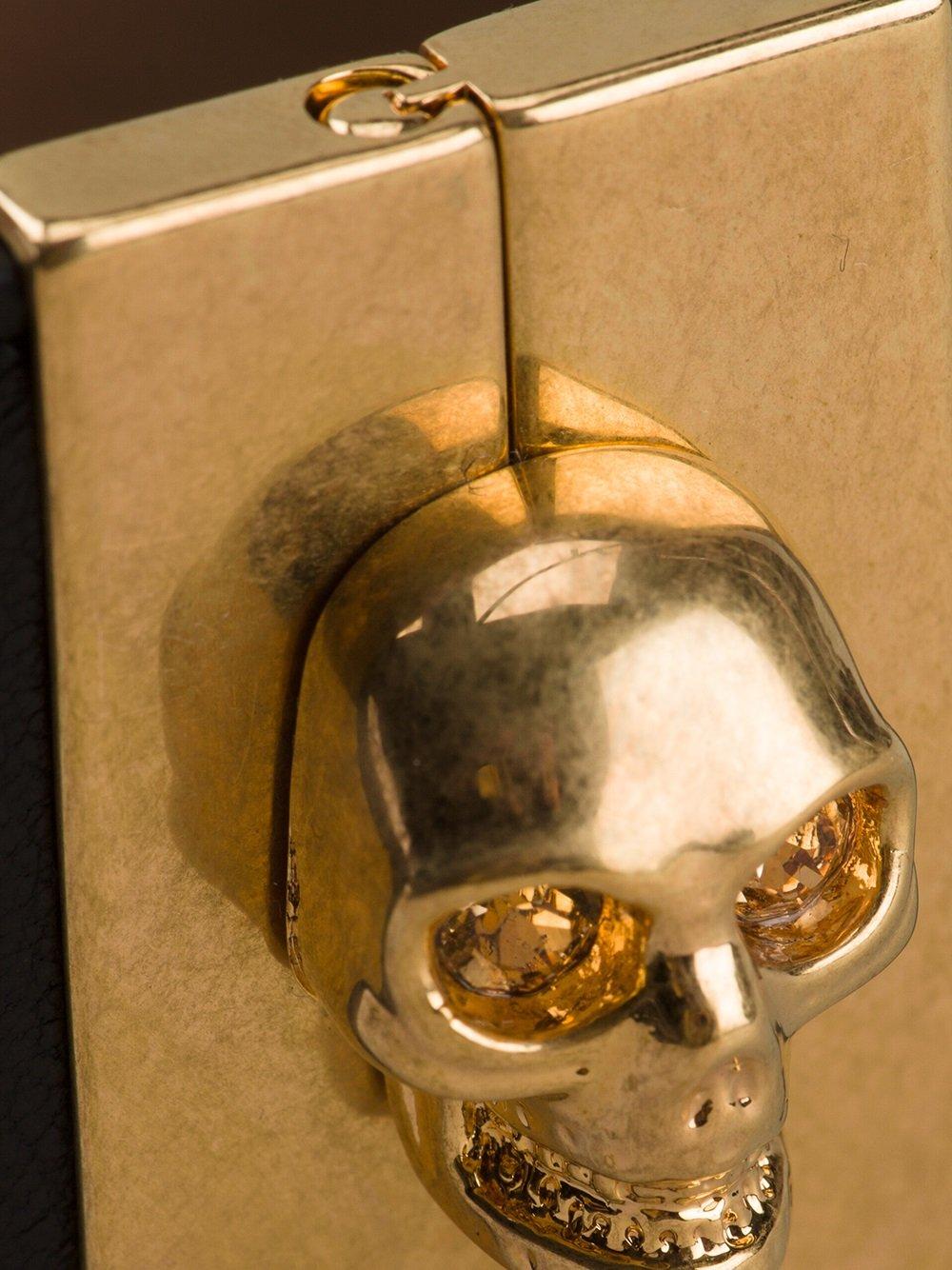 Alexander McQueen Skull Clasp Cuff in Black