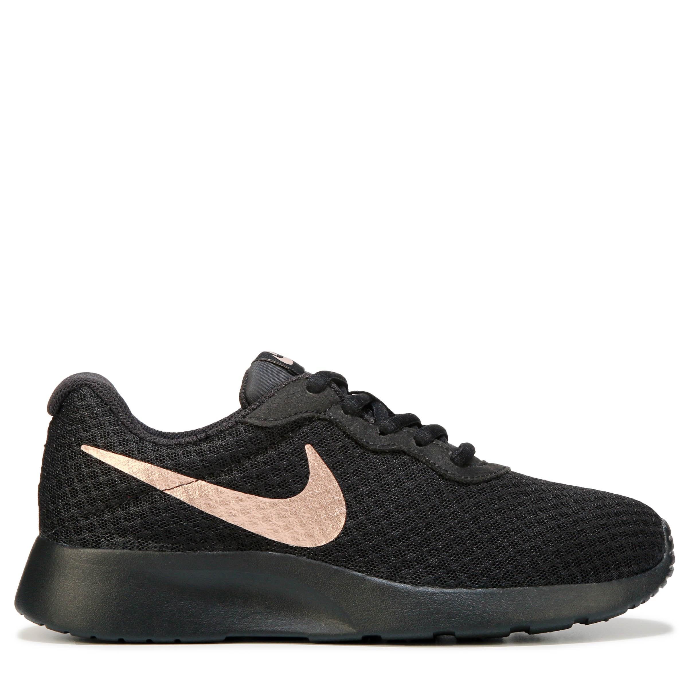 Nike Tanjun Shoes in Black/Gold (Black