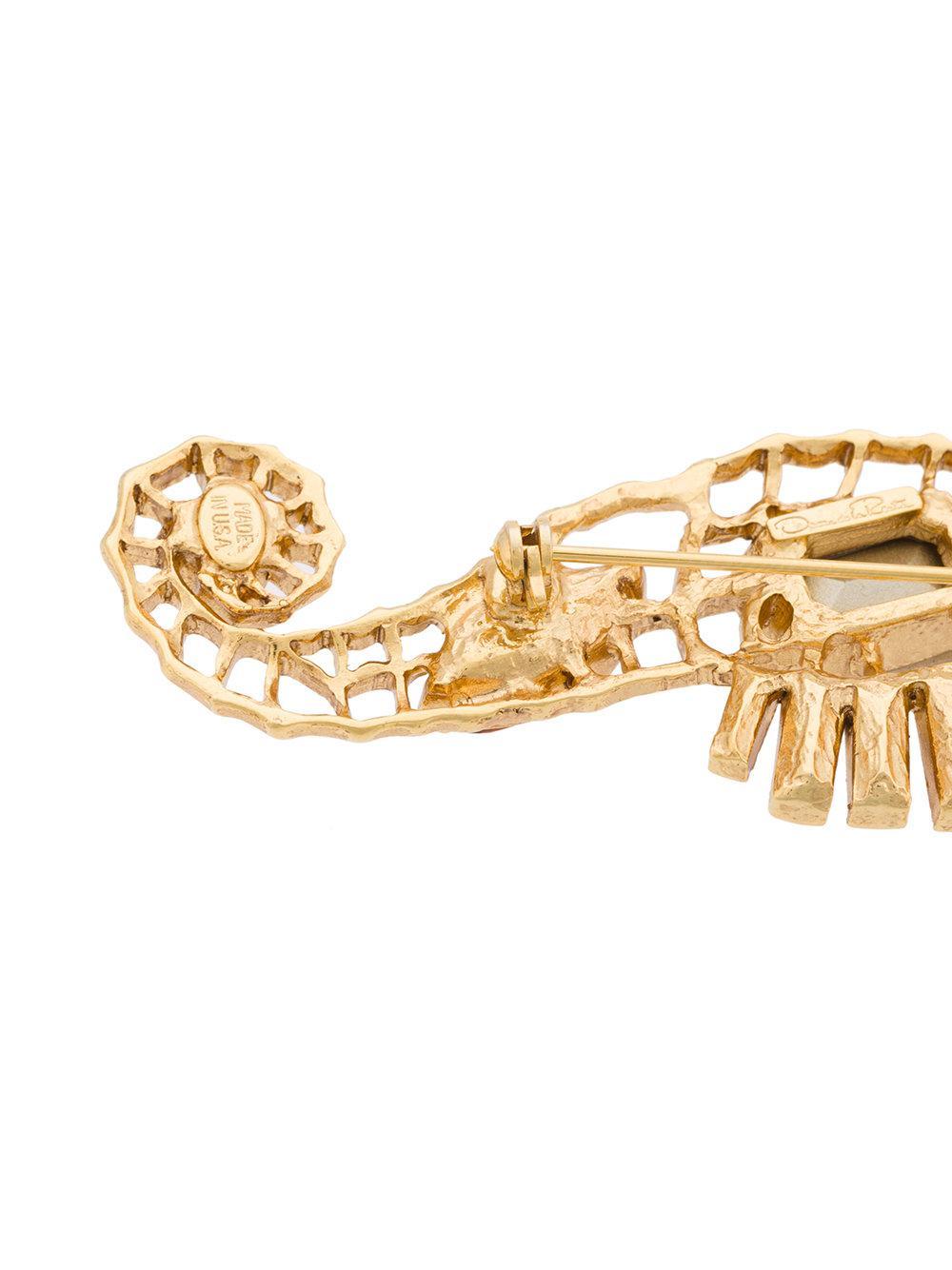 Oscar De La Renta seahorse crystal brooch - Metallic jeNMht4c