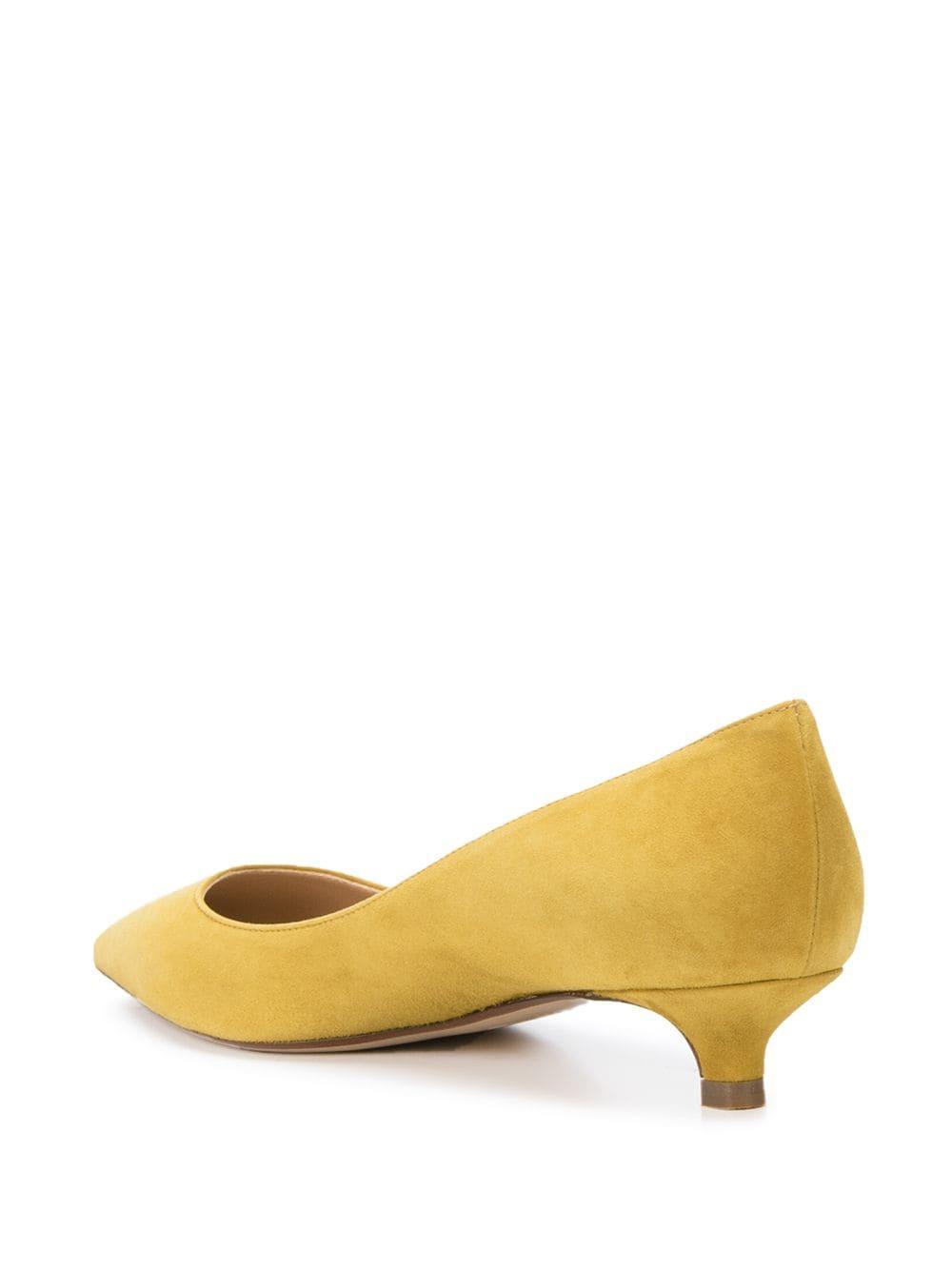 Zapatos con kitten heel y puntera en punta Francesco Russo de Cuero de color Amarillo