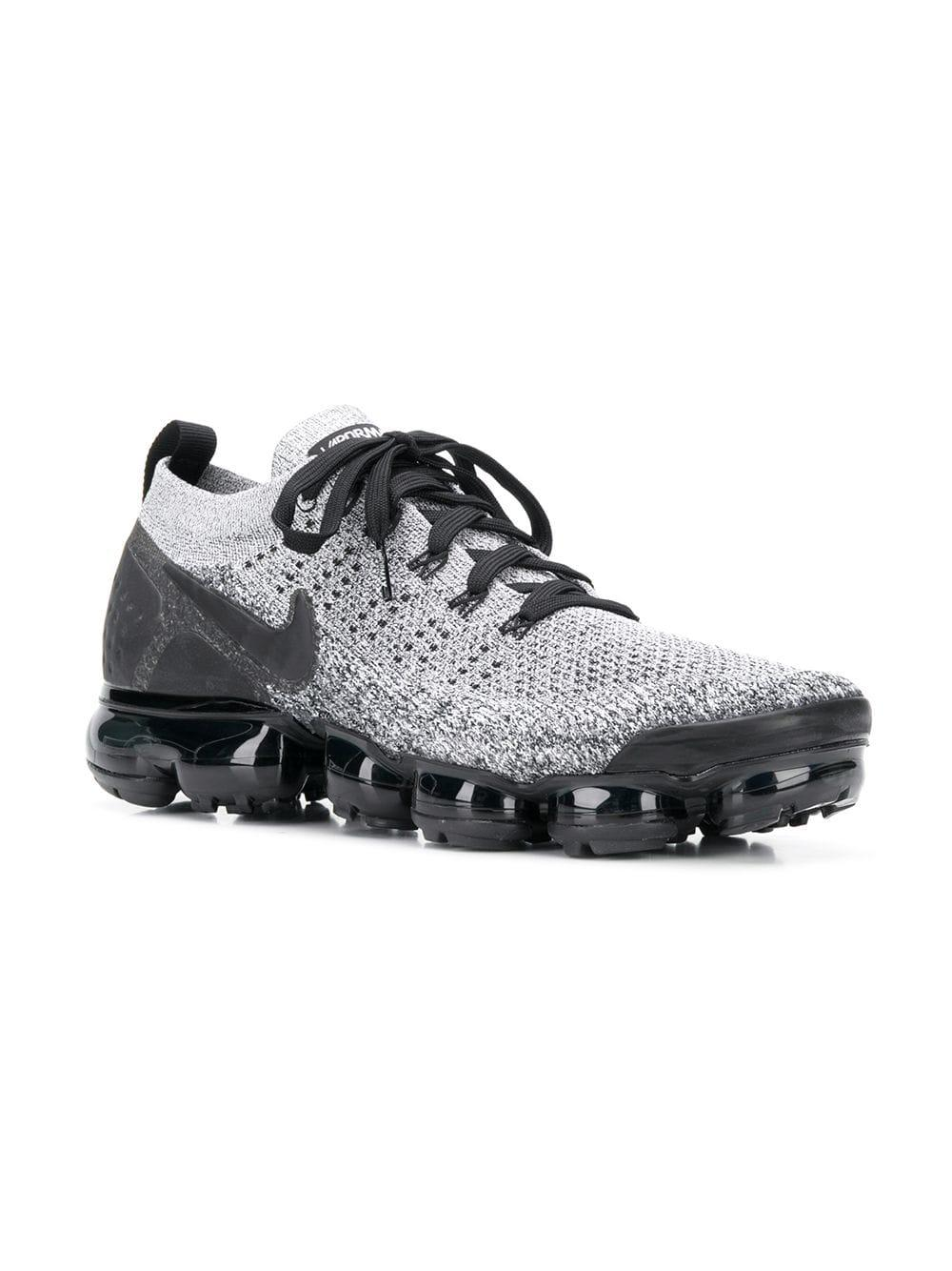 bffe714fe225 Lyst - Nike Air Vapormax Flyknit 2 Sneakers in Black for Men - Save  4.50450450450451%