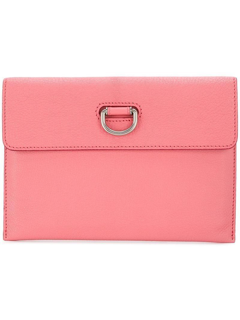 47a91ec3ee54 Lyst - Клатч С D-образной Пряжкой Burberry, цвет: Розовый