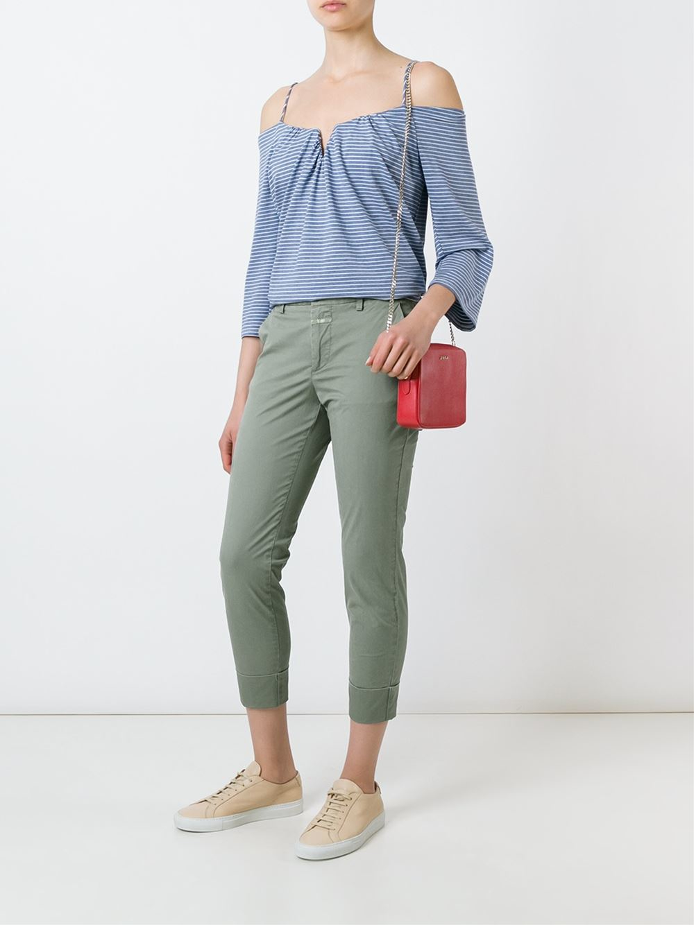 Closed Cotton Cropped Chino Pants in Green