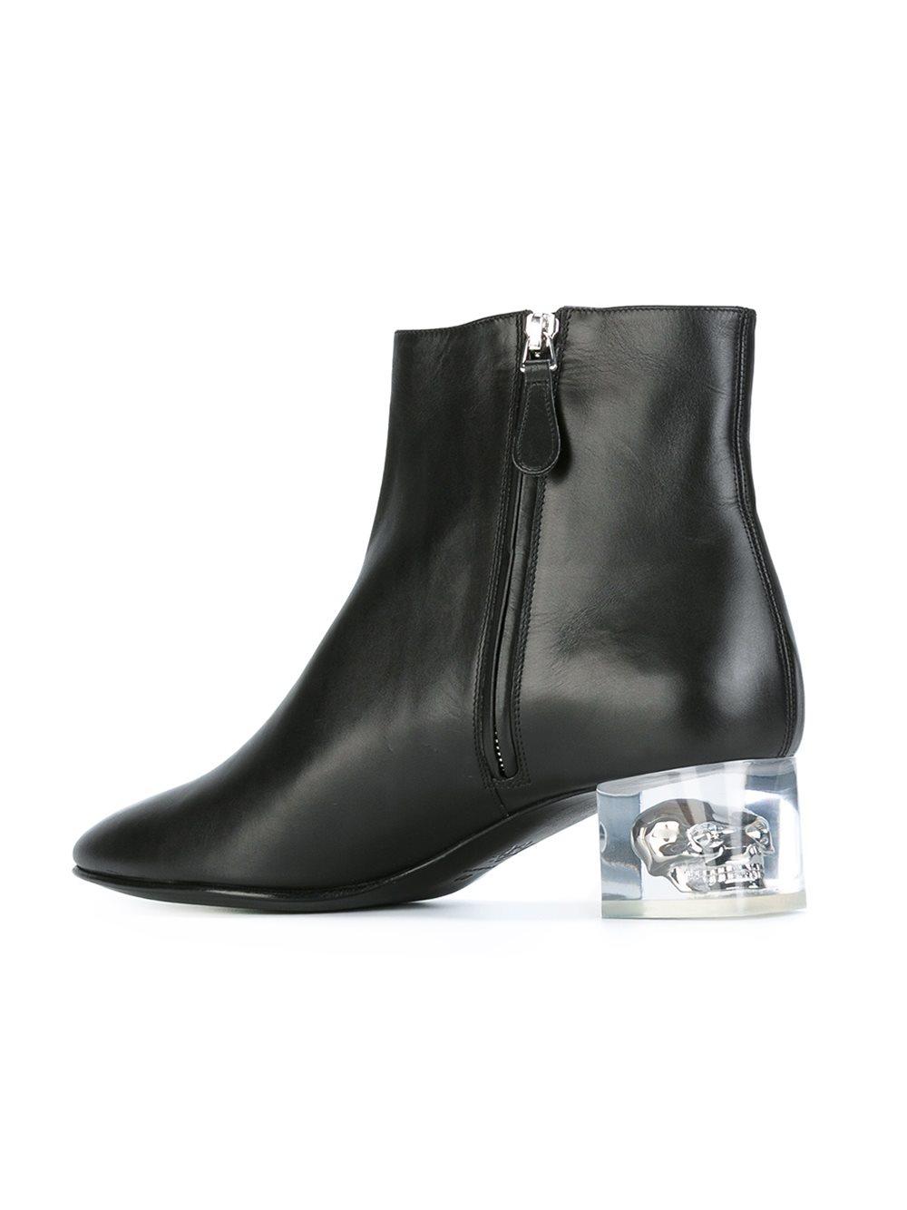 Alexander Mcqueen Leather Skull Heel Ankle Boots In Black