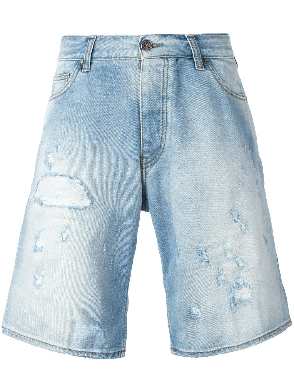 Or change things up by choosing a pair of ripped and destroyed jean shorts to go with a stylish button up shirt. We have denim shorts for men in a variety of styles and washes from all your favorite brands. From light to dark, with rips or embellishments, PacSun's collection of jean shorts for men is sure to have something for every guy.