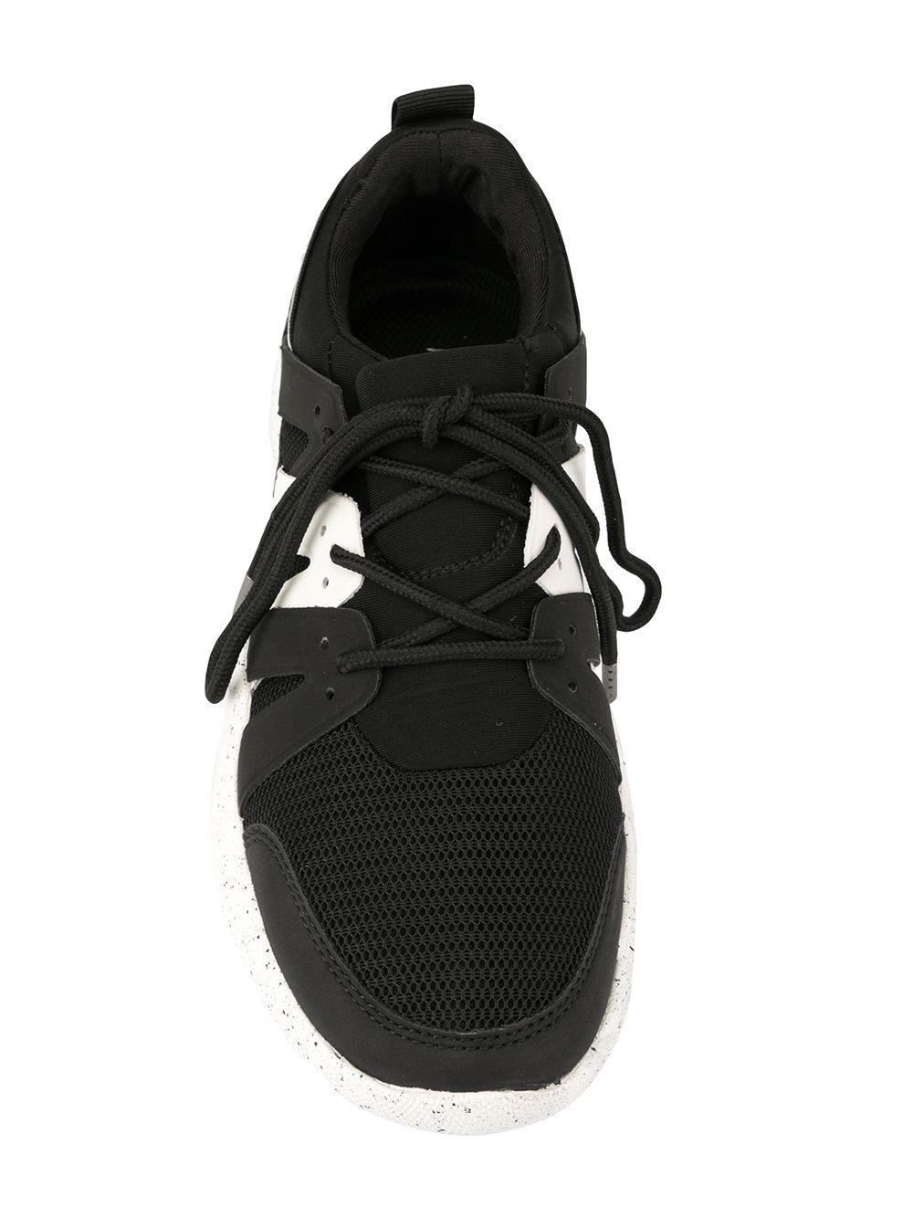 Zapatillas con suela moteada Kendall + Kylie de Ante de color Negro