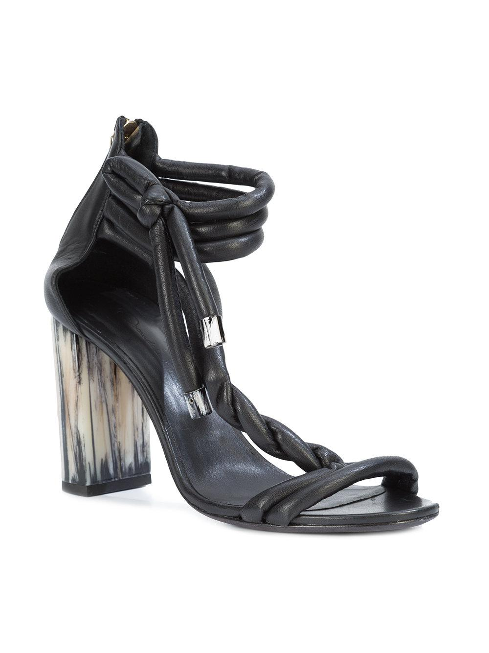 2018 Más Reciente En Línea Venta Manchester Gran Venta Oscar de la Renta Declan sandals - Black farfetch bianco Grandes Ofertas En Línea Barato Venta Barata Con Paypal mX4tUW