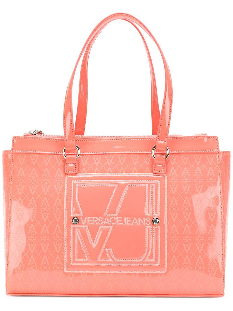 98cc2488b0 Lyst - Versace Jeans Vj Logo Print Tote Bag in Pink