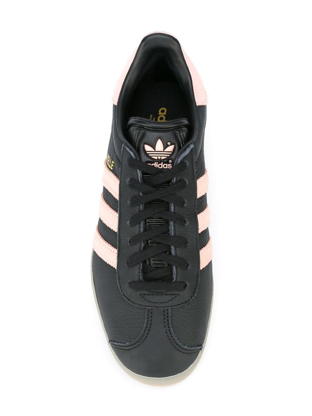 online store ac56c 35821 Gallery. Previously sold at Farfetch · Womens Adidas Gazelle ...