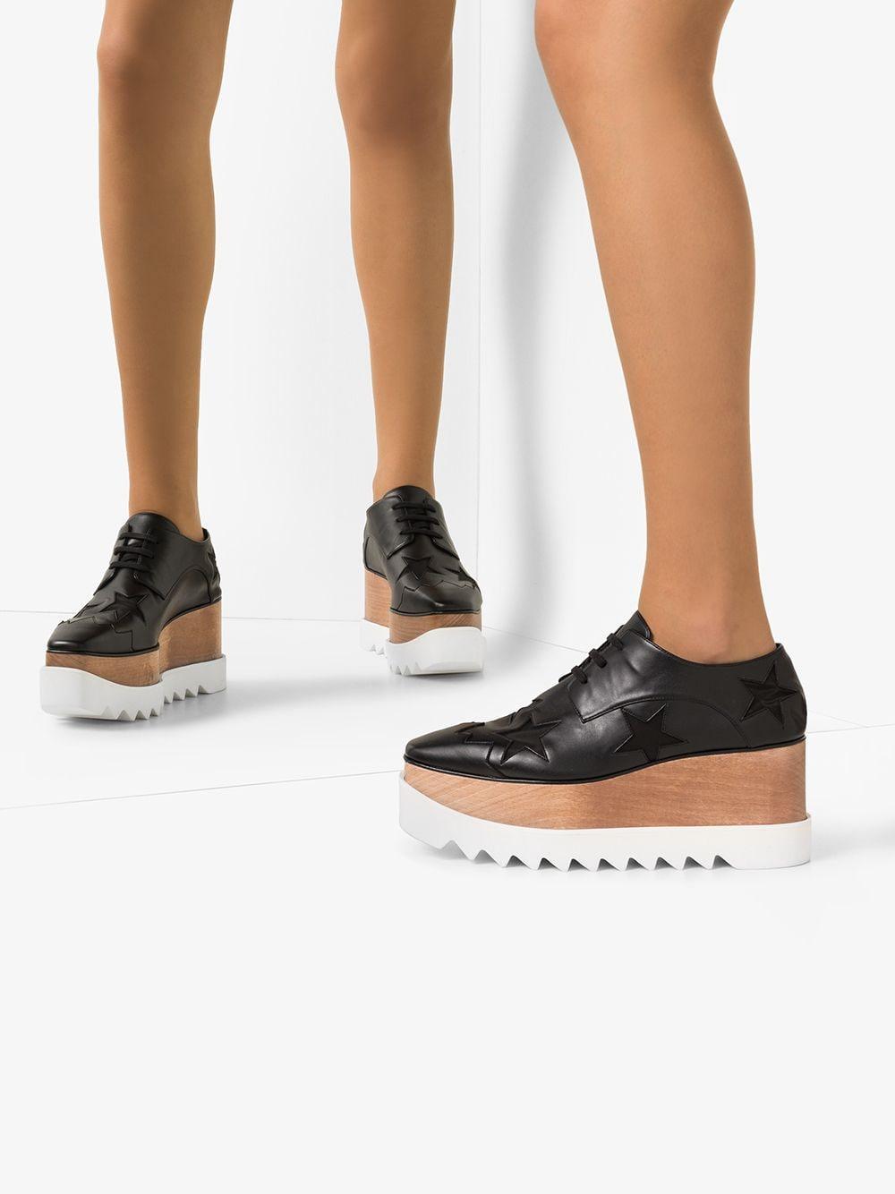 Zapatos de vestir con plataforma plana 85 Stella McCartney de color Negro
