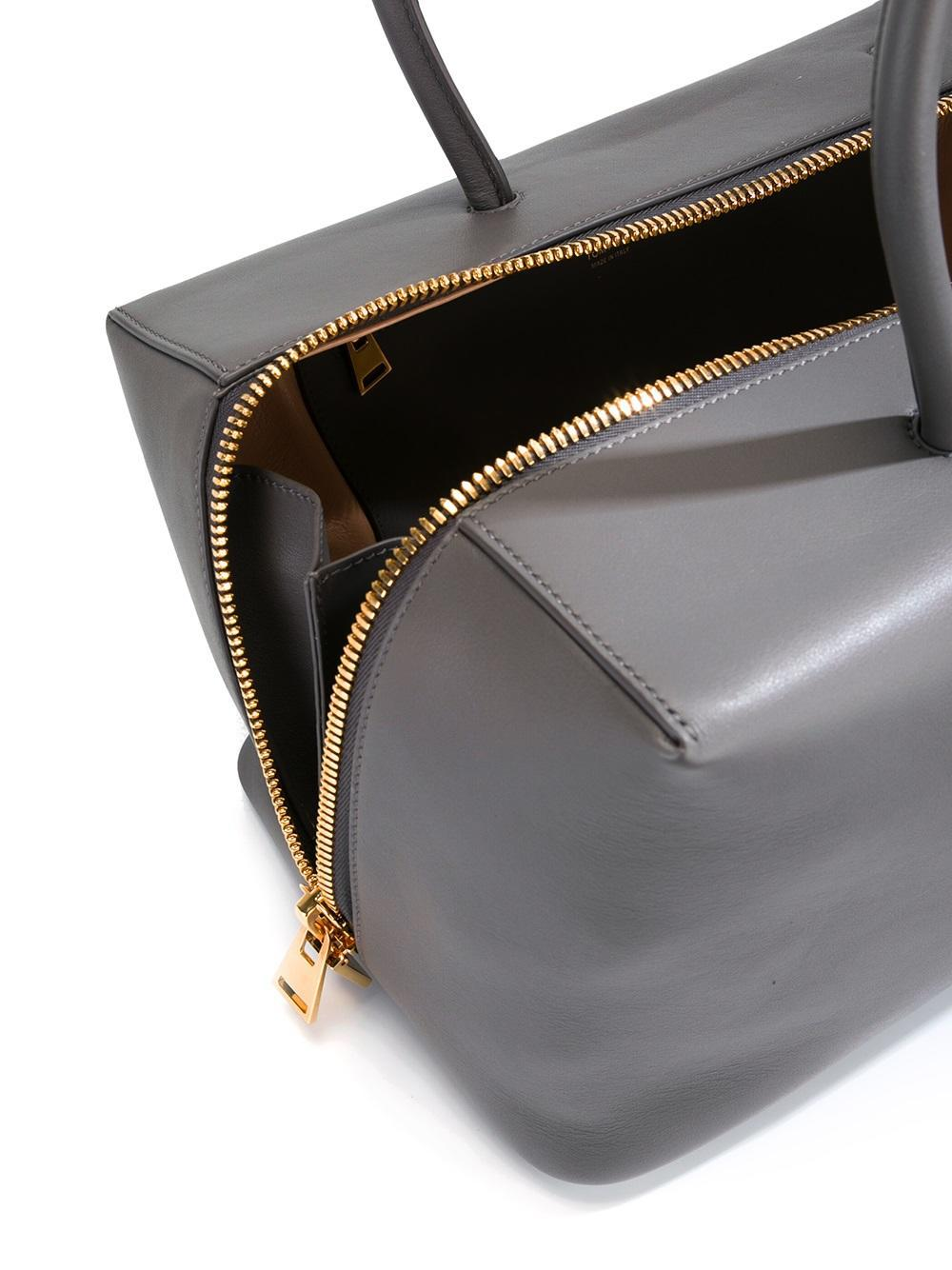 Tom Ford Leather Zip Up Tote Bag in Grey (Grey)