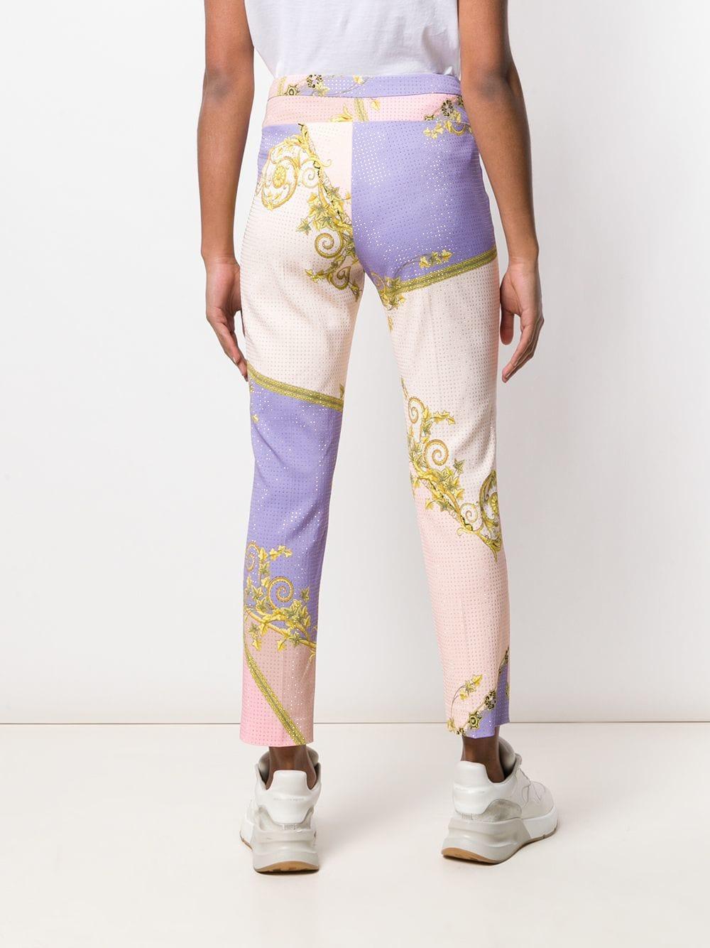 ced8cc736eca Versace - Pink Pantalon droit imprimé - Lyst. Afficher en plein écran