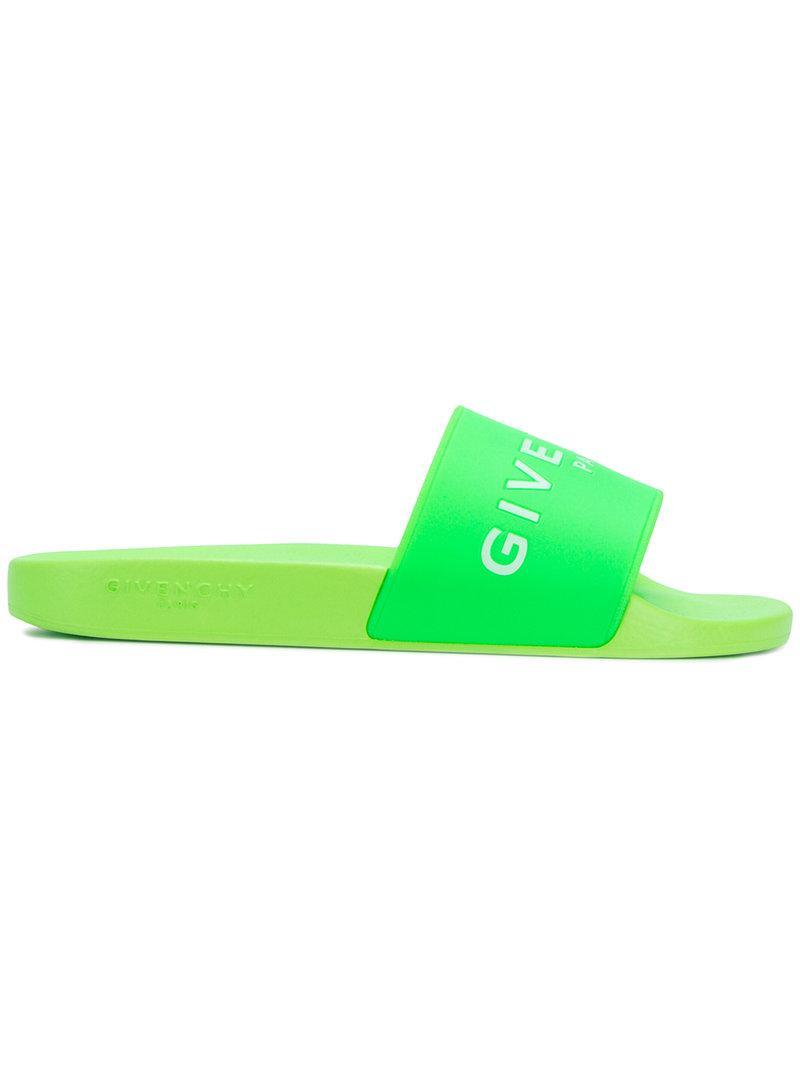 03db775e319 Lyst - Claquettes à logo Givenchy pour homme en coloris Vert
