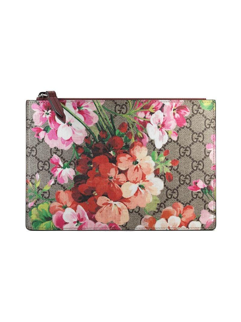 043855c0012 Gucci GG Blooms Pouch in Brown - Lyst