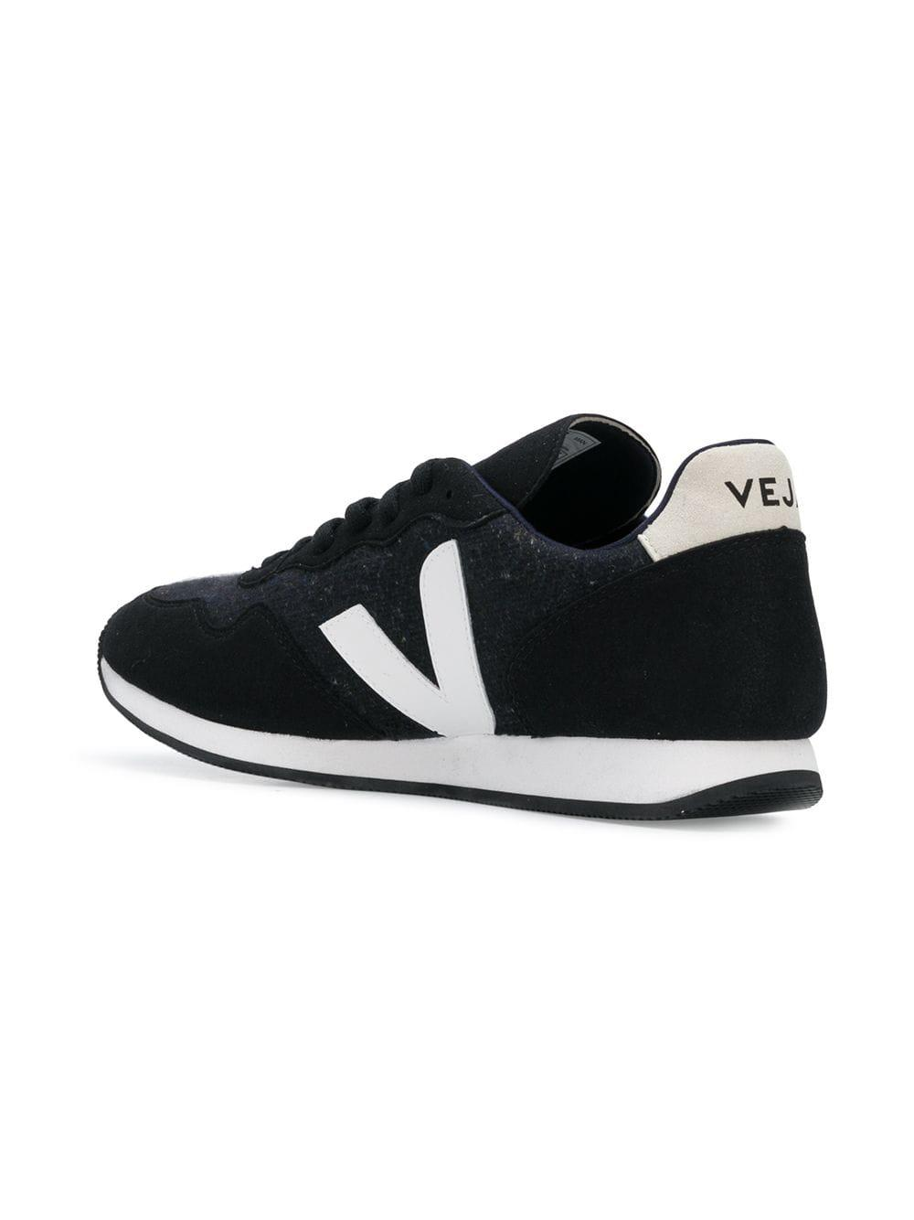 Veja Rubber Contrast Logo Sneakers in Black for Men