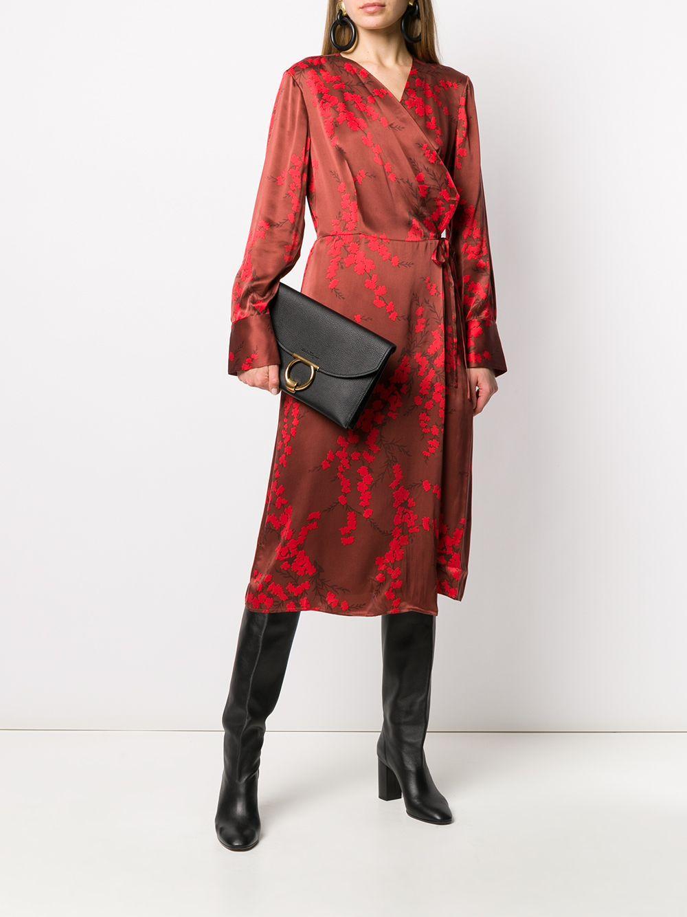 Vestido cruzado con estampado de cerezos en flor Equipment de Raso de color Rojo