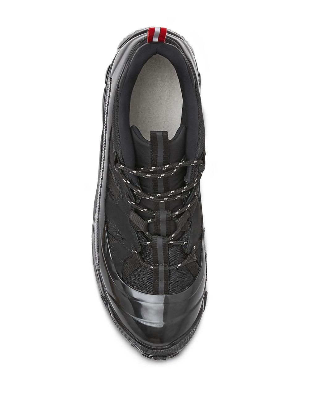 Zapatillas bajas con suela gruesa Burberry de Cuero de color Negro para hombre