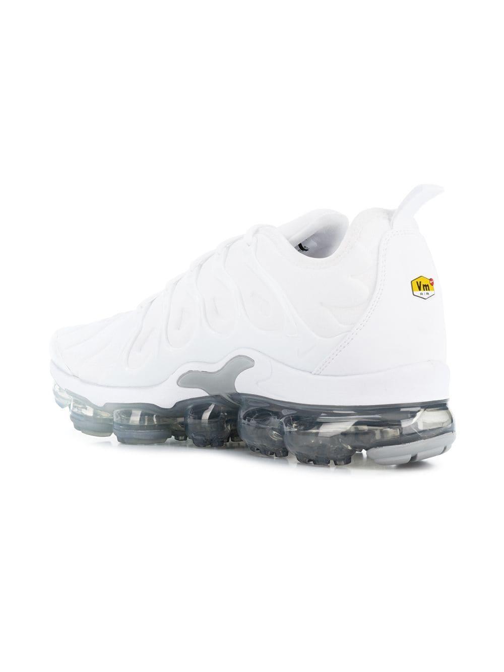 65c8de18720c8 Nike - White Baskets Air Vapormax Plus Sneakers for Men - Lyst. View  fullscreen