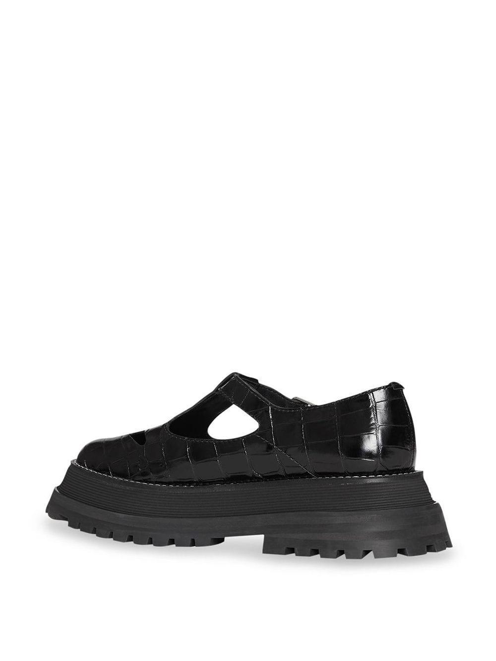 Zapatos con tira en T Burberry de Cuero de color Negro