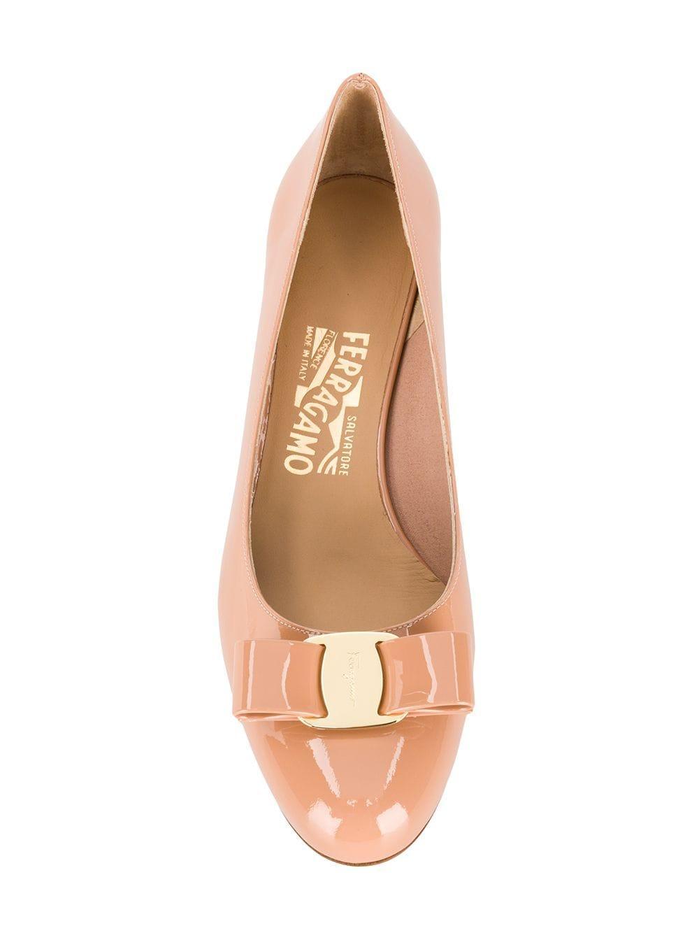 Zapatos de tacón Vara Ferragamo de Cuero