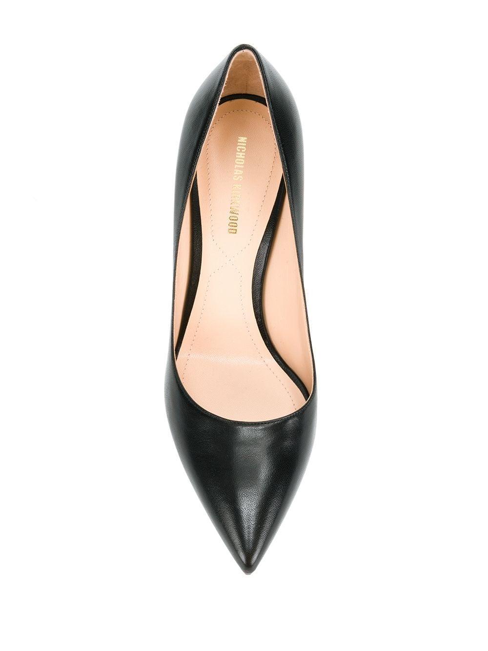 Zapatos de tacón con perla Mira Nicholas Kirkwood de Cuero de color Negro