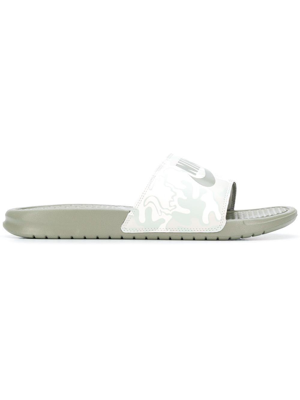 quality design c6110 76e98 Lyst - Claquettes Benassi JDI Nike pour homme en coloris Vert
