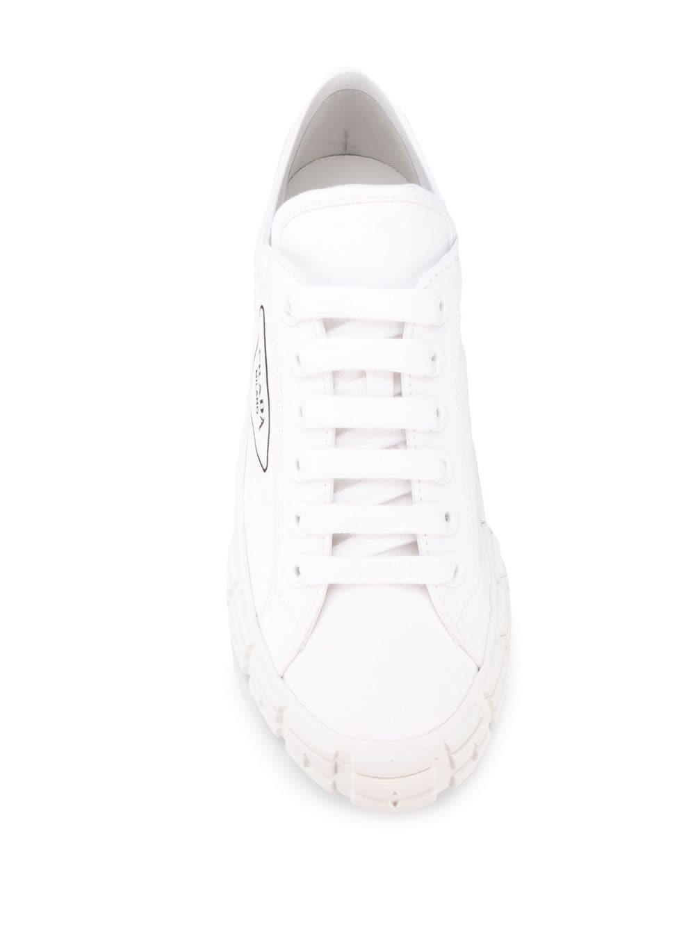Zapatillas de lona con cordones Prada de Lona de color Blanco